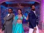 Madhuri Dixit along with Tushar Kalia and Dharmesh Yelande danced to Kajra Re.