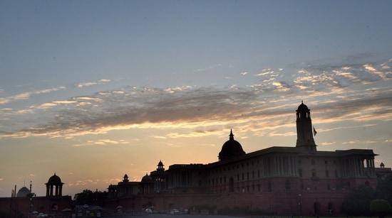 Rashtrapati Bhawan and the Secretariat buildings seen from Vijay Chowk at sunset in New Delhi( Arvind Yadav/ Hindustan Times)