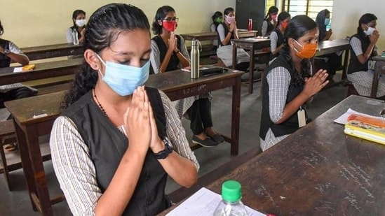 Karnataka to hold SSLC exams in July; promotes second PUC students(HT file)