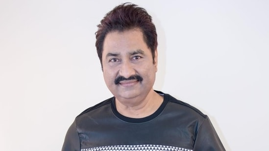 Kumar Sanu said that 'it is extremely difficult to sing like' Kishore Kumar.
