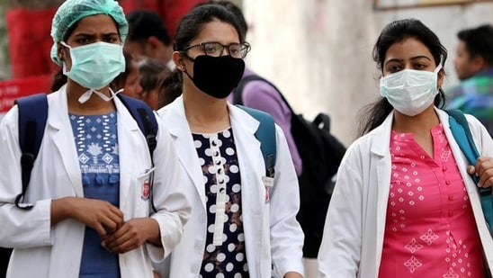 Unsafe to conduct physical exams, medical students tell state health minister(ANI)