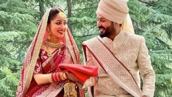 Yami Gautam and Aditya Dhar in their first picture as a married couple.