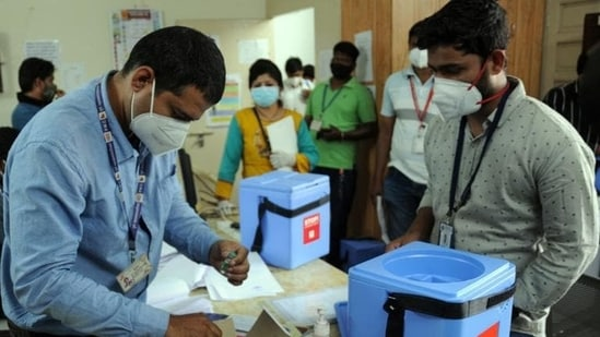 As many as 724,402 patients have recovered from the highly infectious disease, including 11,347 on Friday.(File photo. Representative image)