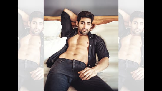 Ruslaan strikes a pose in bed for this HT Brunch column