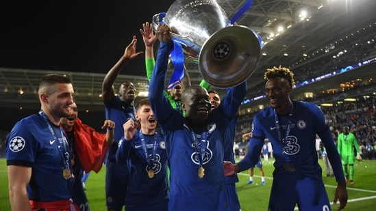 Chelsea's N'Golo Kante celebrates with the trophy.(Pool via REUTERS)