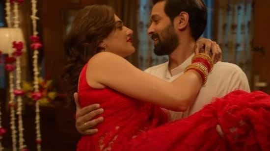 Vikrant Massey and Taapsee Pannu in a still from the Haseen Dillruba teaser.