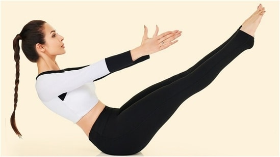Malaika Arora does Naukasana to improve self-confidence, strengthen core muscles(Instagram/@malaikaaroraofficial)