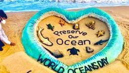 On World Oceans Day 2021, sand artist Sudarsan Pattnaik displayed a stunning sand art on Puri beach, Odisha.