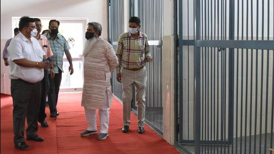 Cabinet minister Bharat Bhushan Ashu at the Haibowal dairy complex in Ludhiana on Tuesday. (Gurpreet Singh/Hindustan Times)