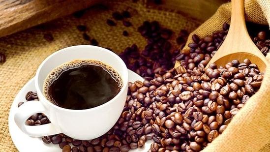 High caffeine intake linked to increased risk of blinding eye disease: Study(Shutterstock)