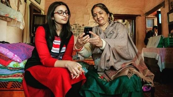 Parineeti Chopra and Neena Gupta in Sandeep aur Pinky Faraar,(Instagram)