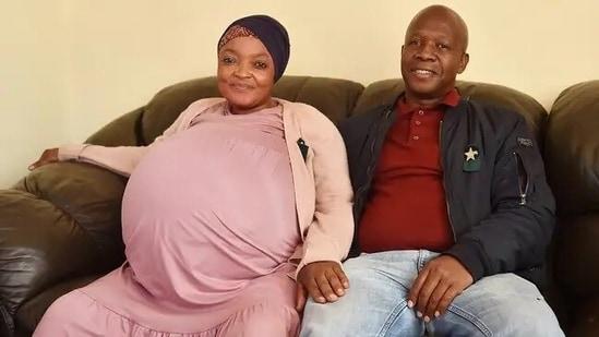 Gosiame Thamara Sithole with her husband Teboho Tsotetsi.(Twitter/ @HungryLionSA)