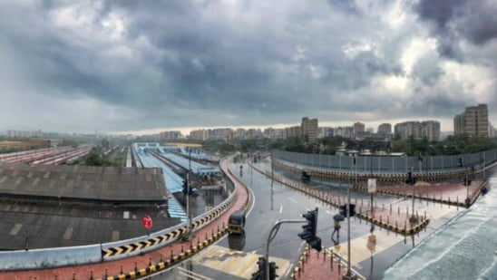 The image shows a glimpse of Mumbai rains.(Twitter@ThisNMore)