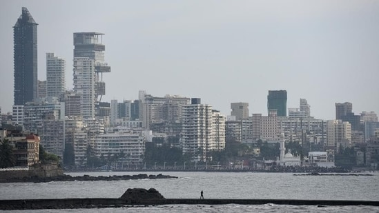 Among the top seven cities, Mumbai alone accounted for nearly 25% of leasing activity in India in the first quarter of 2021, a 34 per cent growth on a quarterly basis, the report showed. In picture - The Mumbai skyline at Worli.(HT Photo)