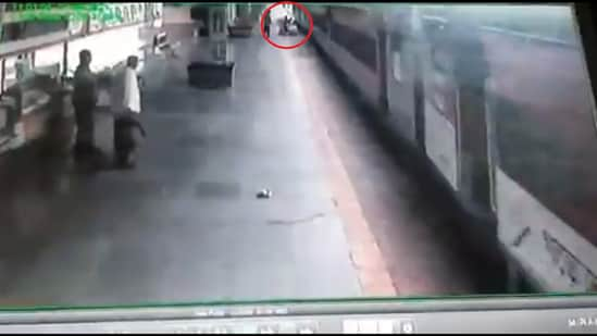 The man slipped while trying to board a moving train at the Lokmanya Tilak Terminus (LTT) in Mumbai's Kurla. (Twitter/@Central_Railway)