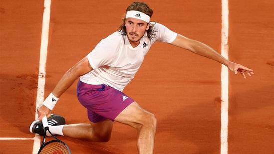 Stefanos Tsitsipas beat the World No. 2 in straight sets. (Roland Garros/Twitter)