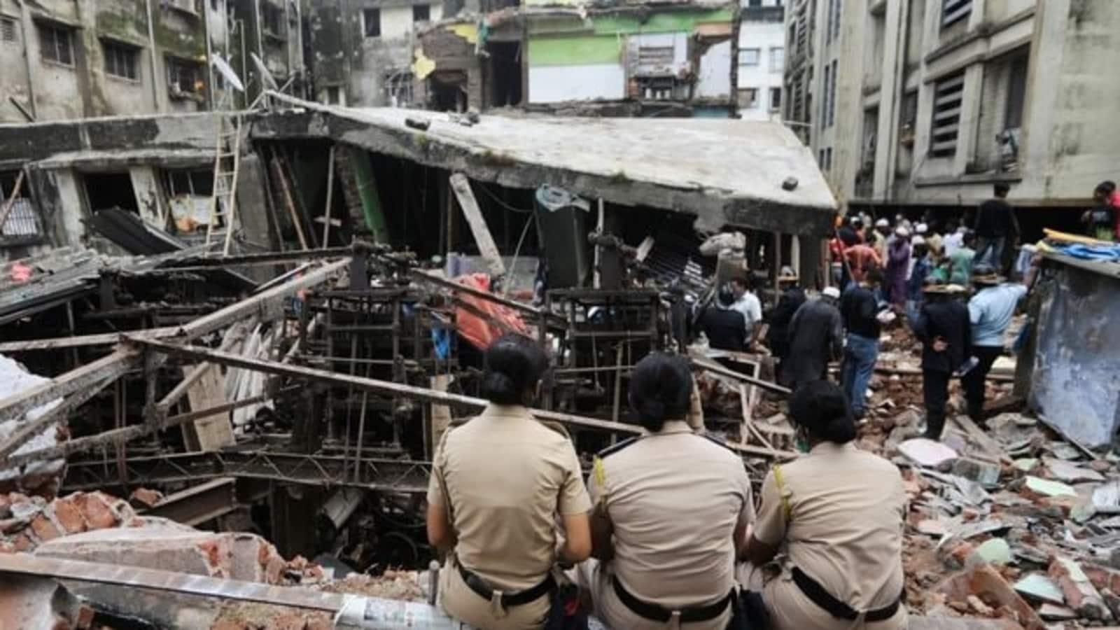 12 Including 8 Children Killed In Mumbai Building Collapse Mumbai News Hindustan Times