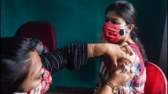 Tamil Nadu has so far received 1,01,63,000 vaccines and administered 97,62,957 vaccines. (PTI PHOTO.)