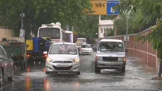 Visuals of waterlogging in front of Lucknow's Vidhan Sabha gate number 7.(ANI)