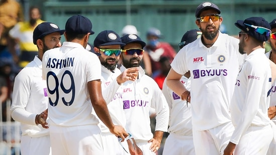 Indian captain Virat Kohli with teammates during a Test match against England(PTI)