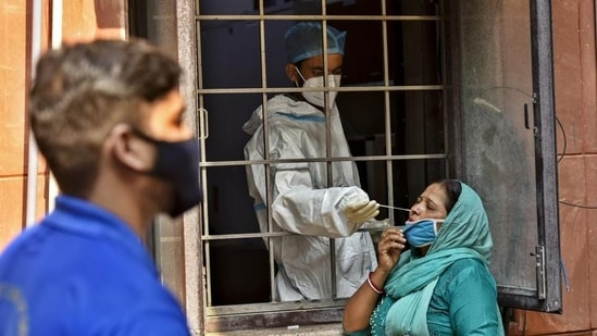 The Brihanmumbai Municipal Corporation (BMC) on Thursday showed the doubling rate of Covid-19 infection in Mumbai at 566 days.(Biplov Bhuyan/HT PHOTO)