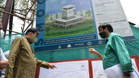 Delhi environment minister Gopal Rai on Thursday visited the site where a 25-metre-high smog tower is being constructed and said that the work had slowed down because of the Covid-19 lockdown. (TWITTER/@AapKaGopalRai.)