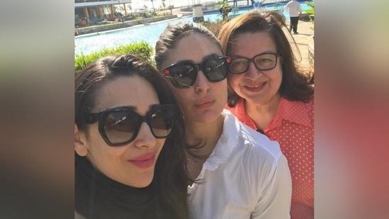 Kareena Kapoor Khan poses with her sister Karisma Kapoor and mom Babita Kapoor.