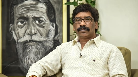 Hemant Soren said that the Jharkhand government has constituted a one-member inquiry commission to investigate the case of unnatural death and justice would be ensured at all cost. (PTI)(HT_PRINT-prepub)