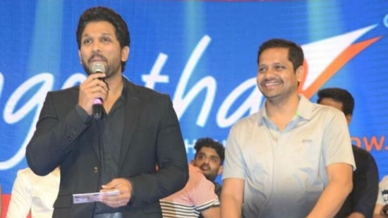 Actor Allu Arjun shares a picture with producer Bunny Vasu and wishes him on his birthday.
