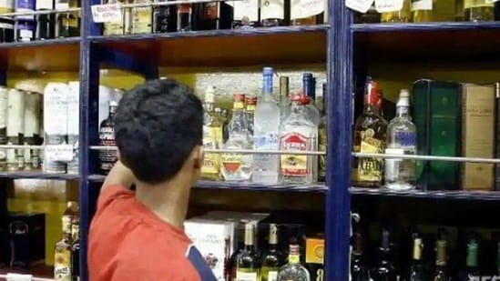 The orders for home delivery of liquor can be taken through mobile apps and websites.(Representational image)