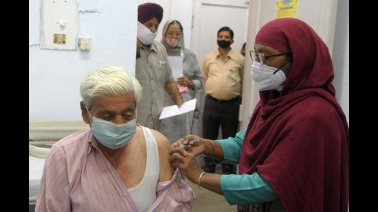 Currently government-sourced vaccine is being provided to only registered industrial workers, construction workers, family members of healthcare workers and people with serious illnesses in this age group. (HT File Photo)
