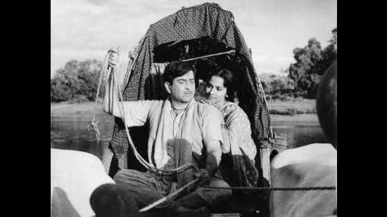 Raj Kapoor and Waheeda Rahman in Teesri Kasam. (Teesri Kasam)