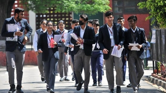 The Haryana board exams for class 10 and 12, which were scheduled to take place in April end and May were postponed and later cancelled.(HT file)