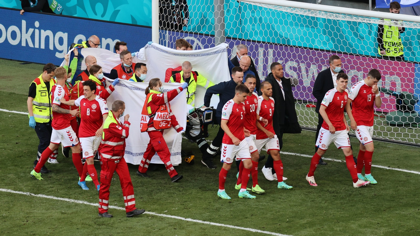 Denmark's Christian Eriksen collpased on ground during Euro 2020 match, fans and players send in good wishes on Twitter - Marketshockers