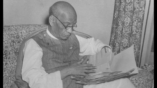 The Constitution is the product of much deliberation. Sardar Patel formulated two articles — 311 and 314 — affecting the services. Both protected officials from arbitrary punishment by their political bosses, displaying the trust and respect he had for civil servants and their opinions (HTPHOTO)