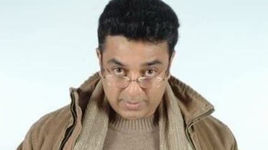 In Dasavatharam, Kamal Haasan appeared in 10 distinct roles.