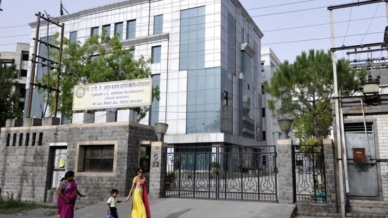 AKTU final year exam schedule: The examination for the final year students of Dr APJ Abdul Kalam Technical University (AKTU) to be held from July 20 to August 7, said vice chancellor Prof Vinay Kumar Pathak.(Sunil Ghosh/HT File Photo)