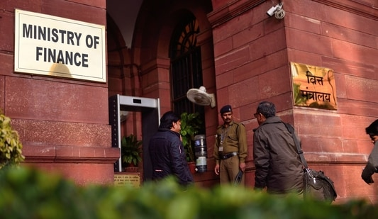 Finance ministry officials will meet Infosys on June 22. (Pradeep Gaur/Mint)