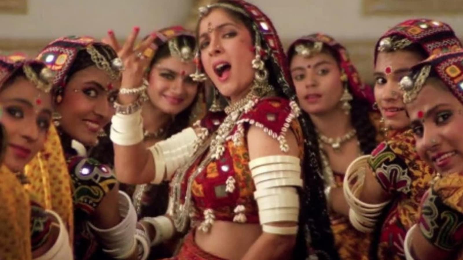 Neena Gupta recalls feeling embarrassed after Subhash Ghai demanded she wear 'padded bra' for Choli Ke Peeche | Bollywood - Hindustan Times