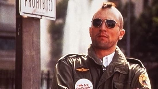 Taxi Driver stars Robert De Niro in the lead.