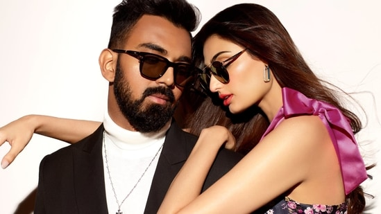 Mystery behind Athiya Shetty and rumoured boyfriend KL Rahul's almost identical posts solved. Watch | Bollywood - Hindustan Times