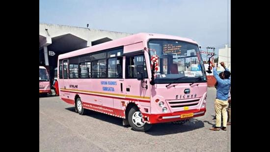 The municipal corporation has sourced 10 buses through the Haryana transport department for the service. (HT Photo)