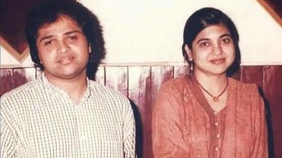 Himesh Reshammiya poses with Alka Yagnik.