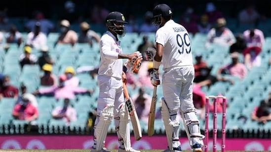 Ravindra Jadeja and Ravichandran Ashwin batting together for India. (Getty Images)