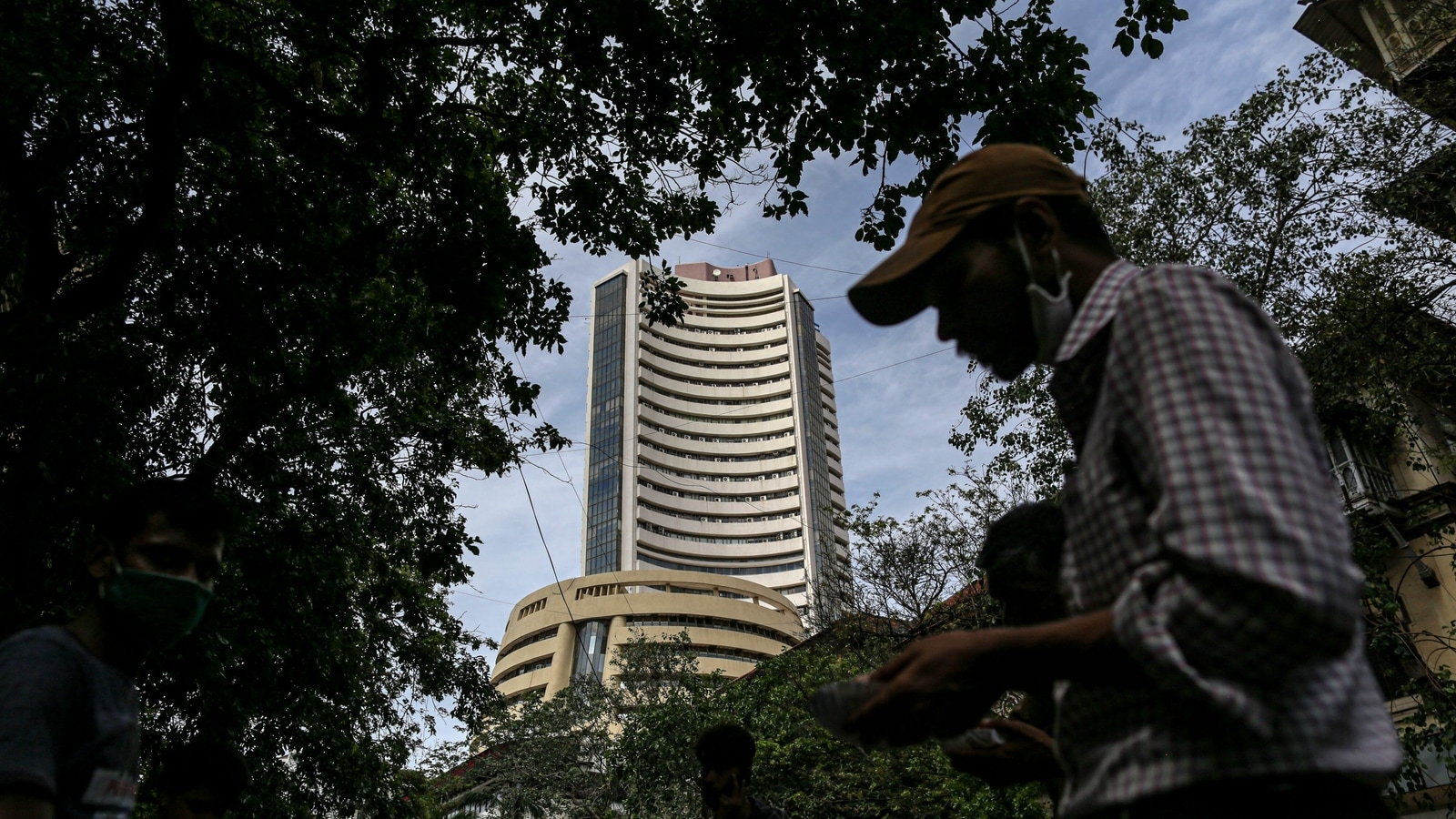 Sensex down 179 points at 52,323; Nifty ends day 76 points in red at 15,691 thumbnail