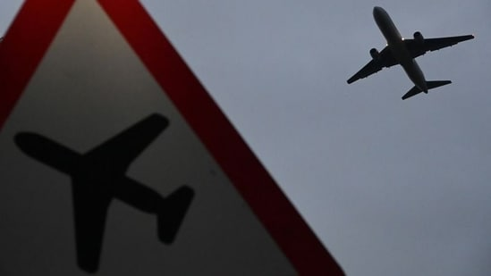 UK to reopen for vaccinated tourists, resume tourism to more than 150 countries(File Photo / Reuters)