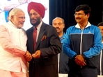 PM Narendra Modi with Milkha Singh.(Narendra Modi/Twitter)