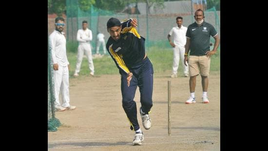 Left-arm pacer Arshdeep Singh during a practice session at SD School, Sector 24, in Chandigarh. (Keshav Singh/HT)
