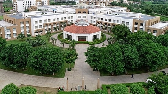 The engineering schools of NMIMS – Mukesh Patel School of Technology Management and Engineering (MPSTME) and School of Technology Management and Engineering (STME) – offer pioneering programs in engineering which are known for their research-focused approach and consistent academic quality.
