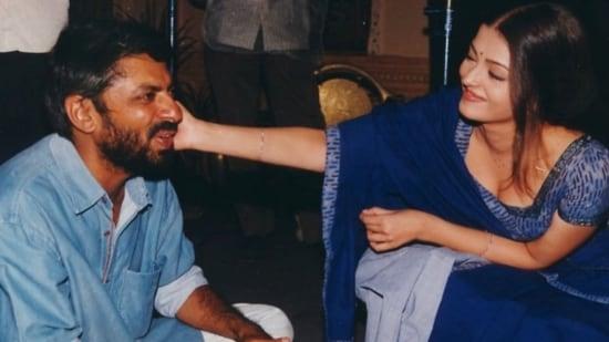 Aishwarya Rai Bachchan and Sanjay Leela Bhansali on the sets of Hum Dil De Chuke Sanam.